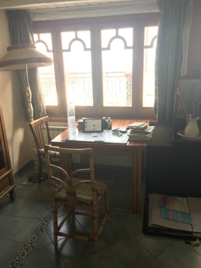 Desk in sicily (2)